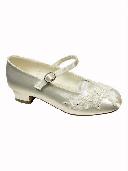 First Communion Shoe with embroidery:...
