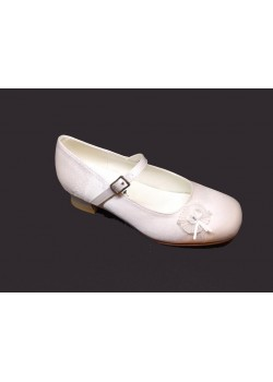 Flower detail Satin Shoe with small heal and strap for the special Girl on her First Holy Communion Day