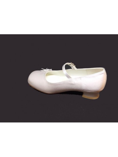 Flower detail Satin Shoe with small heal and strap for the special Girl on ...