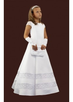 Satin communion dress with lace inserts and sleeves.Fashion with wedges, extended downwards.The lining is stiff at the bottom of the tulle and the wheel.:
