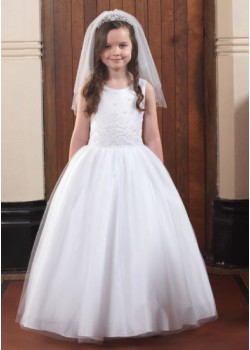 Full skirt sleeveless Holy Communion gown: