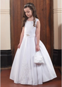 Sleeveless First Communion Dress with Lace Detail :