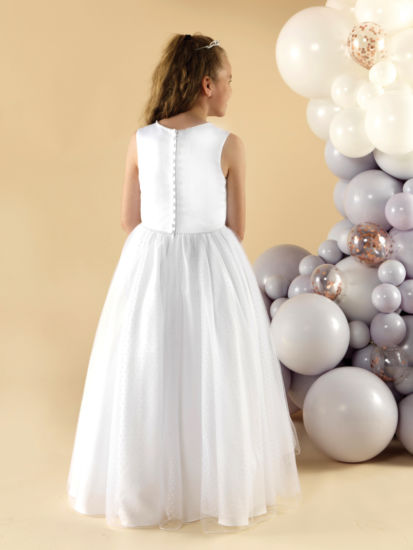 A pretty and elegant First Holy Communion dress with a plain satin bodice:...